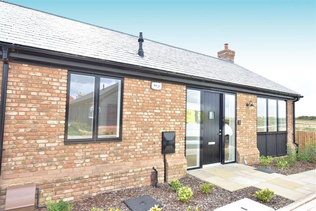 Front of Manor Farm Close, Cliffe, Rochester ME3