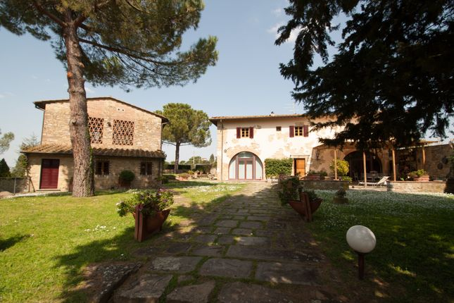 Thumbnail Country house for sale in Florence, Tuscany, Italy