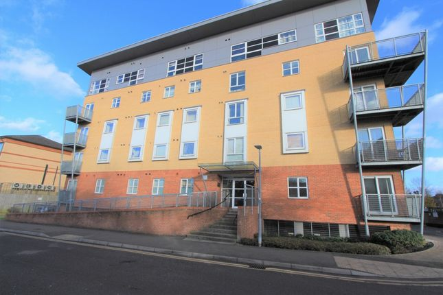 2 bed flat for sale in Station Road, Borehamwood