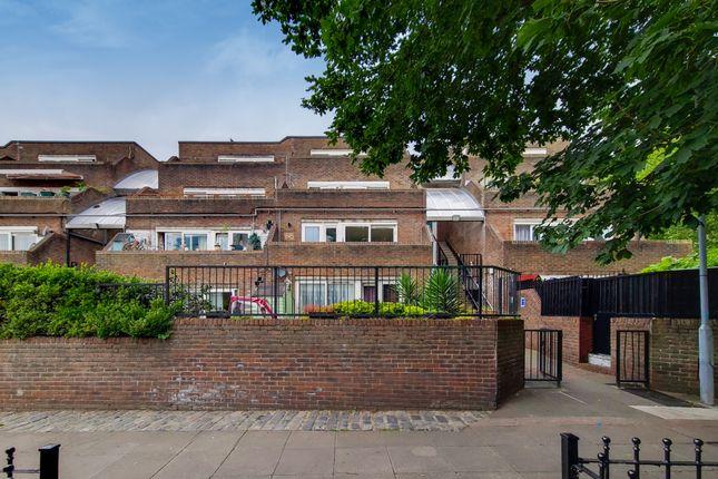 Thumbnail Flat to rent in Salisbury Walk, London