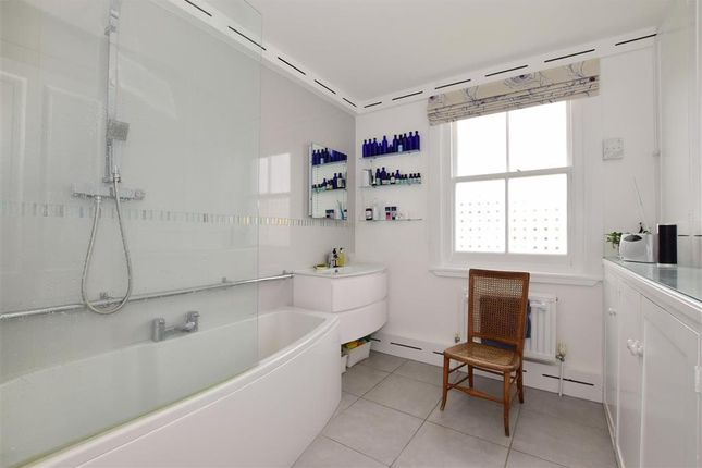 Bathroom of St. Johns Hill, Lewes, East Sussex BN7