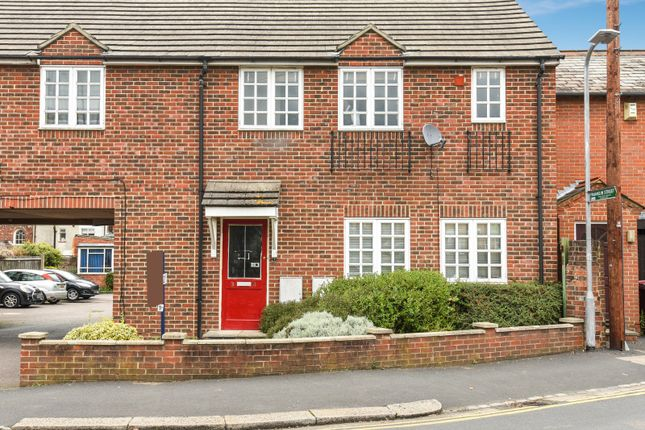 Thumbnail Flat for sale in Goldsmid Road, Reading