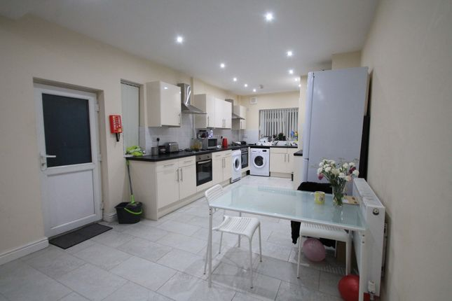 Thumbnail Terraced house to rent in Colum Road, Cardiff