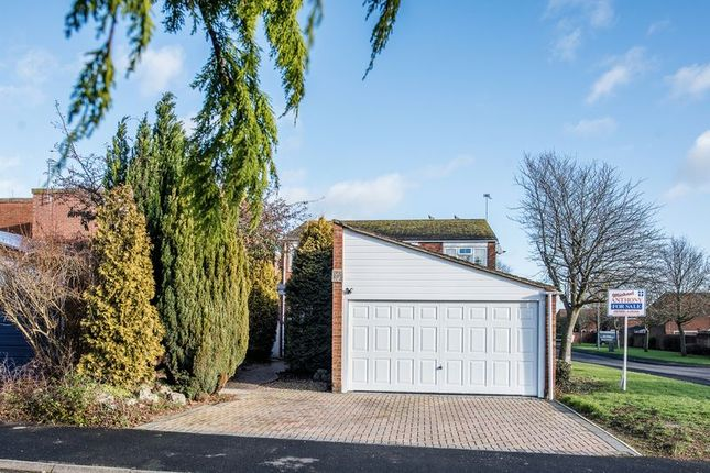 Thumbnail Detached house for sale in Hollinwell Close, Bletchley, Milton Keynes