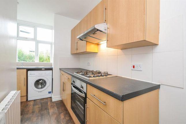 Thumbnail Flat to rent in Grange Road, Thornton Heath