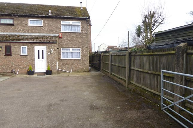Thumbnail Semi-detached house to rent in Beach Road, Gorleston, Great Yarmouth