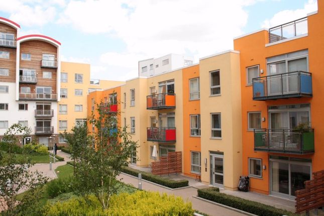 Flat to rent in Holly Court, John Harrison Way, London