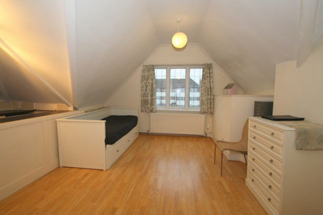 Thumbnail Studio to rent in Great North Road, Highgate