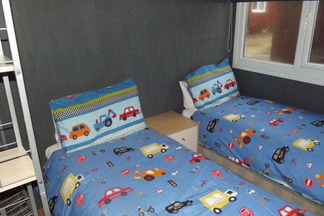 Bed 2 of 143 Sixth Avenue, South Shore Holiday Village, Bridlington YO15