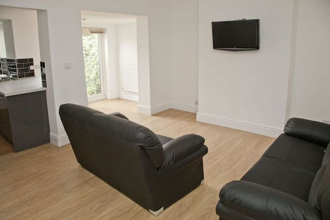 Thumbnail Shared accommodation to rent in Cranwell Street, Lincoln