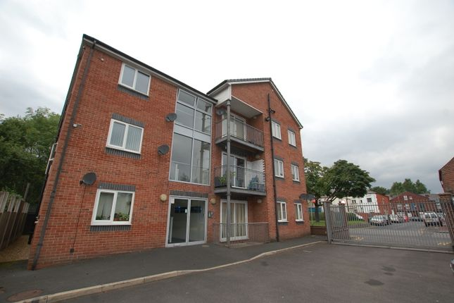 Thumbnail Flat to rent in Loxham Street, Farnworth, Bolton