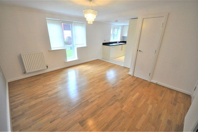 Thumbnail Flat to rent in Wharf Way, Kings Langley