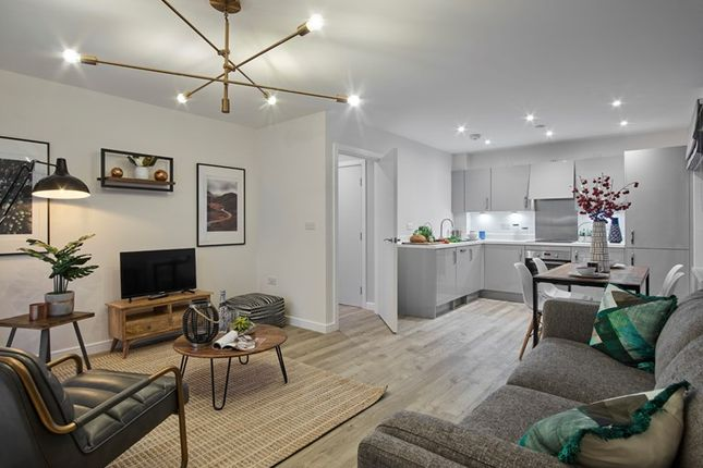 Thumbnail Flat for sale in Sterling Square, - Broad Lane, Bracknell