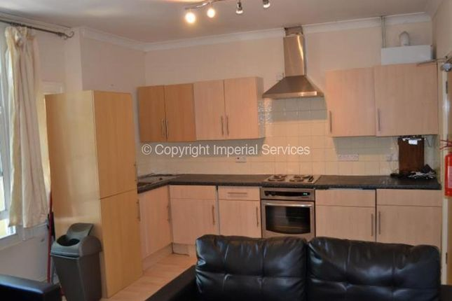 Thumbnail Flat to rent in The Walk, Cardiff