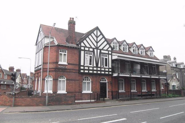 Flat to rent in Wimpole Road, Colchester