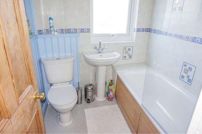 Family Bathroom of Glen Road, West Cross, Swansea SA3