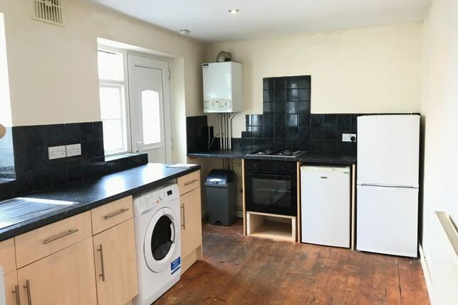 Thumbnail Property to rent in Clifton Place, North Hill, Plymouth