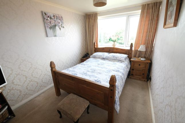 Bedroom 1 of 33 Mount View Road, Sheffield S8