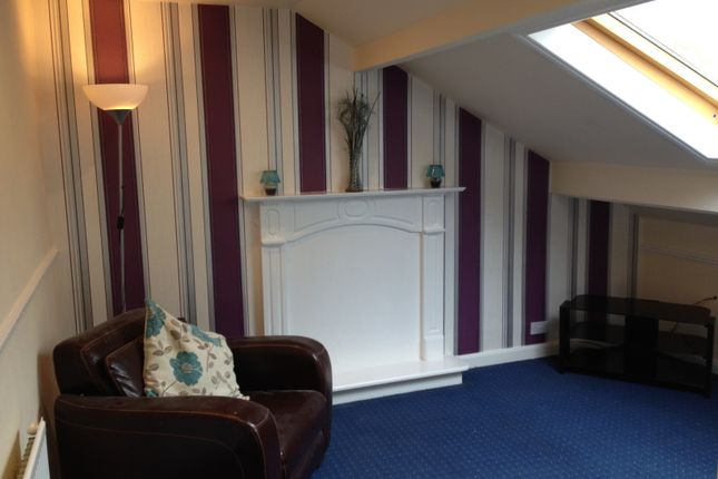 Thumbnail Flat to rent in Skipton Road, Keighley, West Yorkshire