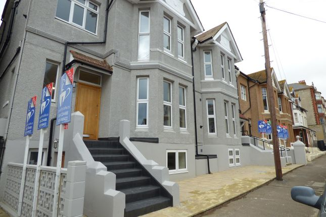 Thumbnail Flat to rent in Eversley Road, Bexhill On Sea