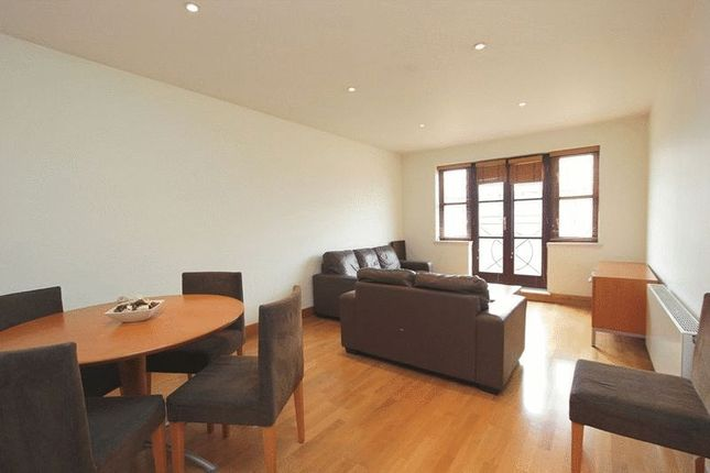 Thumbnail Property to rent in Kingsley Mews, London
