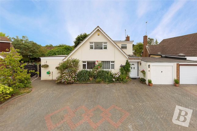 Thumbnail Detached house for sale in Lingcroft, Kingswood, Essex