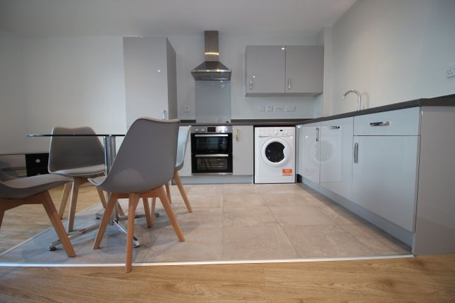 Thumbnail Flat to rent in The Circle, New Walk Place, Leicester