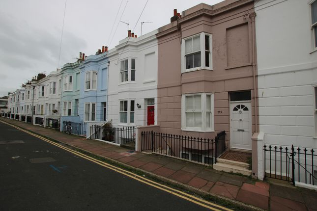 Thumbnail Maisonette to rent in College Gardens, Brighton