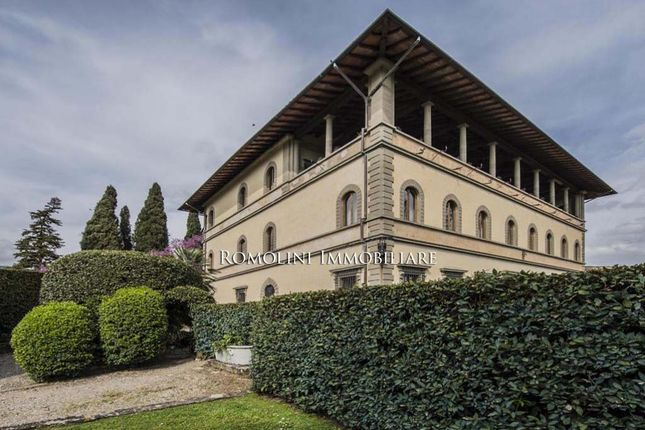 4 bed apartment for sale in Fiesole, Tuscany, Italy