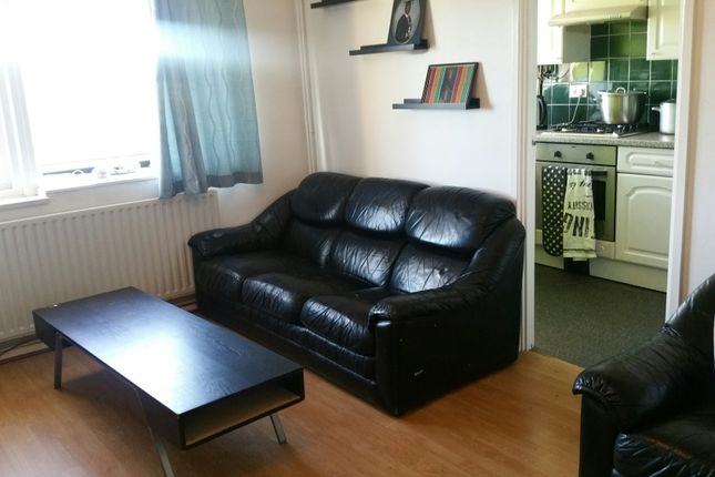 Thumbnail Flat to rent in Pennycroft, Croydon
