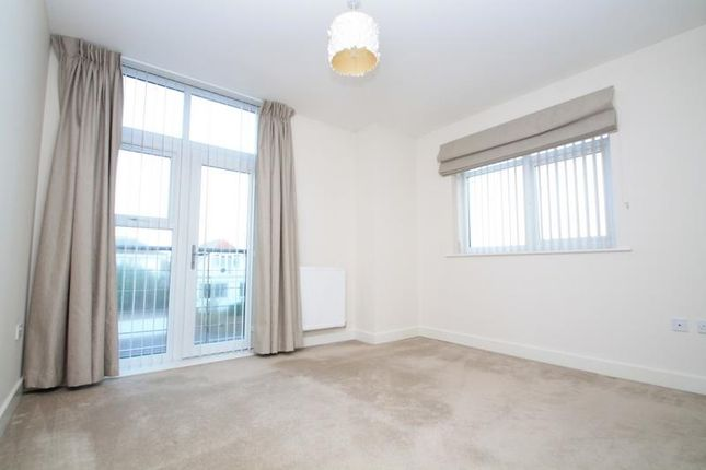 Flat to rent in Eirene Road, Goring-By-Sea, Worthing