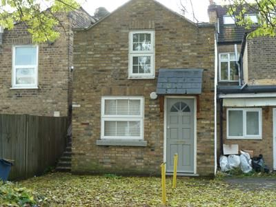 Thumbnail Office to let in Snakes Lane East, Woodford Green, Woodford Green, Essex