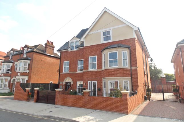 Thumbnail Flat for sale in Leopold Road, Felixstowe