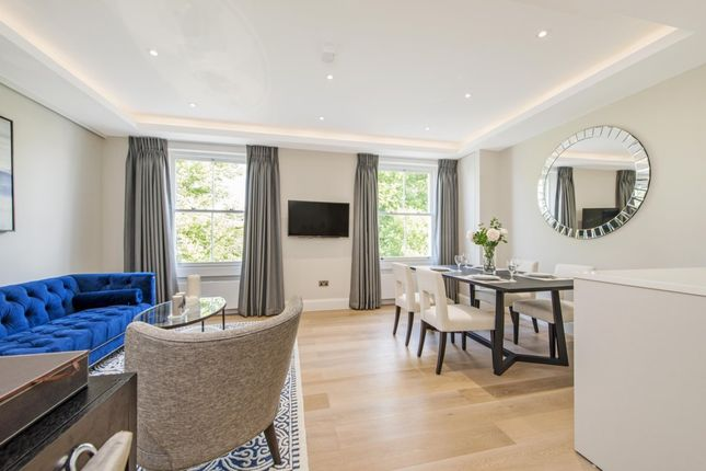 Flat to rent in St. Stephens Gardens, London