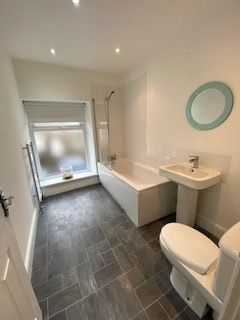 Bathroom of King Street, Gelli CF41