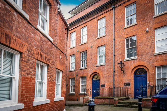 Flat for sale in Kings Court, Nottingham
