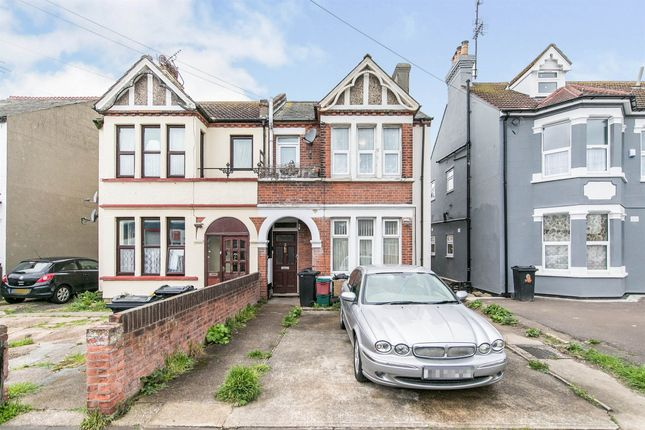 Flat for sale in Hayes Road, Clacton-On-Sea