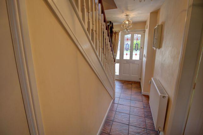 Entrance Hallway Photo 1