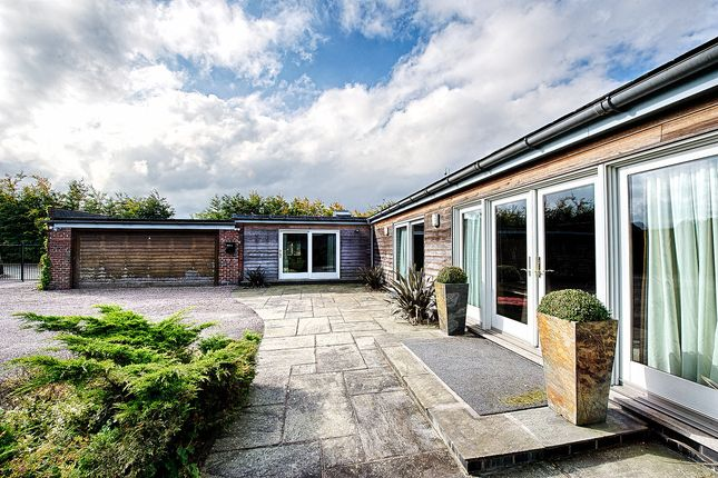 Thumbnail Barn conversion to rent in Broad Lane, Cheshire
