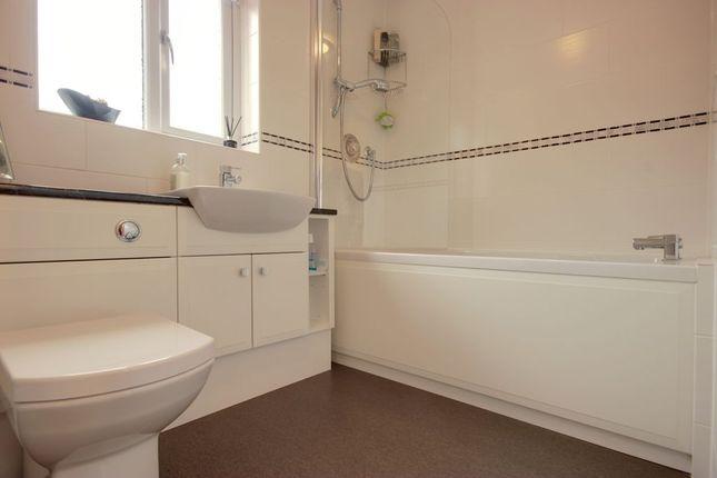 Bathroom 1 of Crawshaw Avenue, Beverley HU17