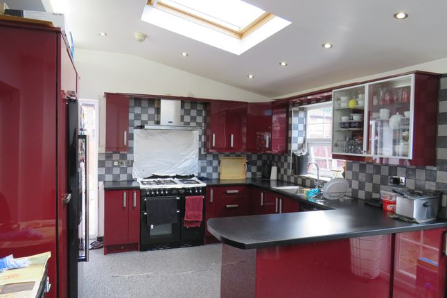 Thumbnail Semi-detached house for sale in Green Lane Road, Leicester