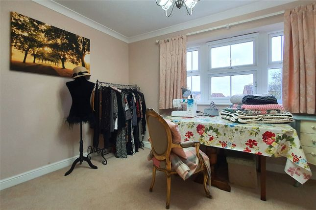 Picture No. 14 of The Pines, Kingswood, Hull, East Yorkshire HU7
