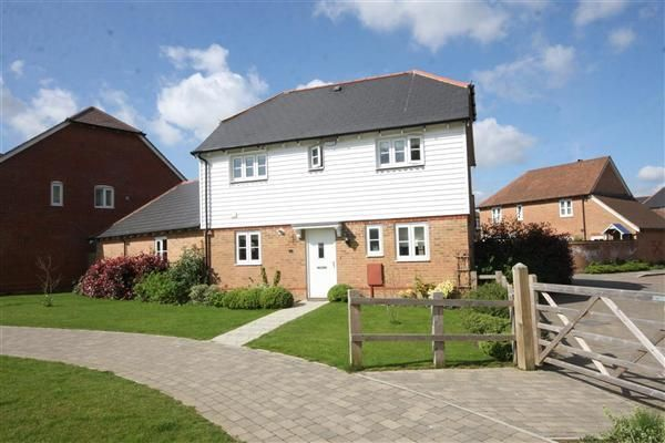 Thumbnail Detached house to rent in Emerald Walk, Kings Hill, West Malling
