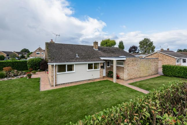 Thumbnail Detached bungalow for sale in Bicester, Oxfordshire