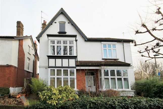 Flat to rent in Cole Park Road, Twickenham