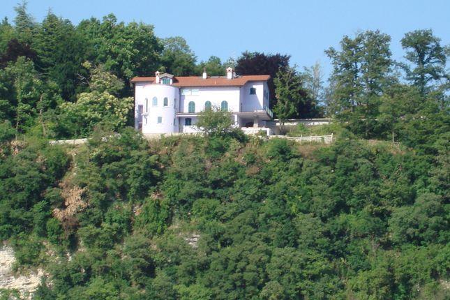 Photo of Arolo di Leggiuno, Varese, Lombardy, Italy