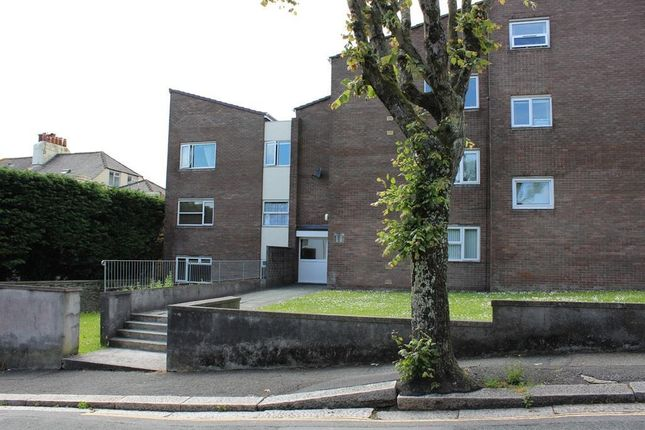 Thumbnail Flat to rent in Home Park, Stoke, Plymouth