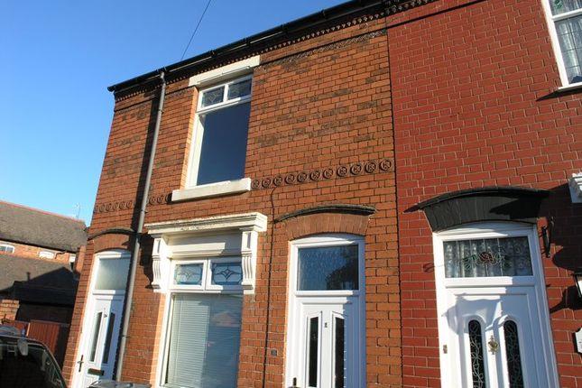 Thumbnail Flat to rent in Meadow Street, Cradley Heath