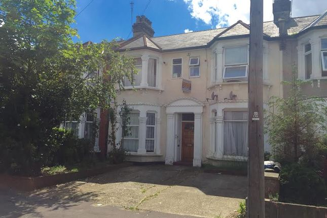 Thumbnail Flat for sale in Selborne Road, Ilford, Essex
