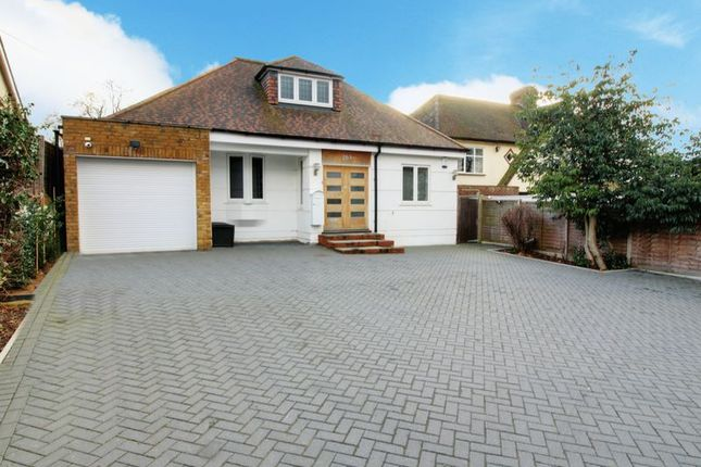 4 bed detached house for sale in Cuffley Hill, Goffs Oak, Waltham Cross